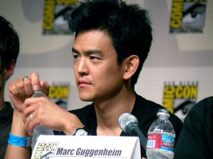 800px-John_Cho_(TV_Guide_panel)