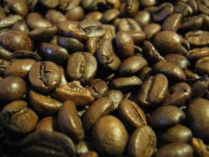 800px-RoastedCoffeeBeans