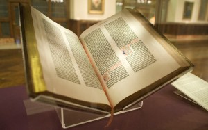 Gutenberg_Bible,_Lenox_Copy,_New_York_Public_Library,_2009._Pic_01